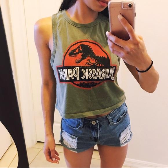 48039e7bb74 Jurassic Park Novelty Crop Top. M_5b19de8345c8b3f4e75607b7